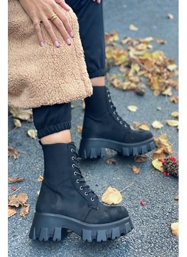 İnan Ayakkabı Bayan Kenarları Örgü Lastık Hafıf Tabanlı Bot Siyah